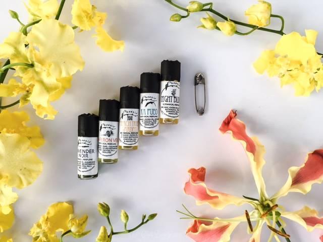 Phoenix Botanicals Parfum Sample Size • chidibeauty.com